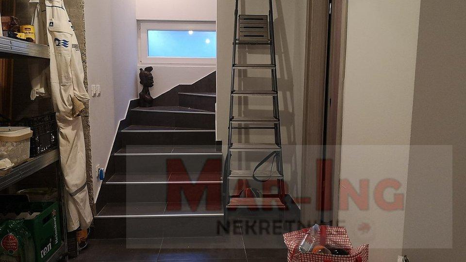Haus, 257 m2, Verkauf, Zadar - Višnjik