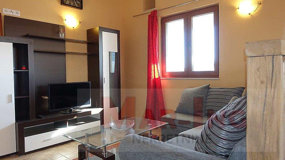 NIN CENTAR - apartmanska kuća sa 8 apartmana