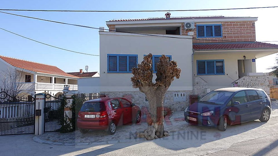 Haus, 540 m2, Verkauf, Nin