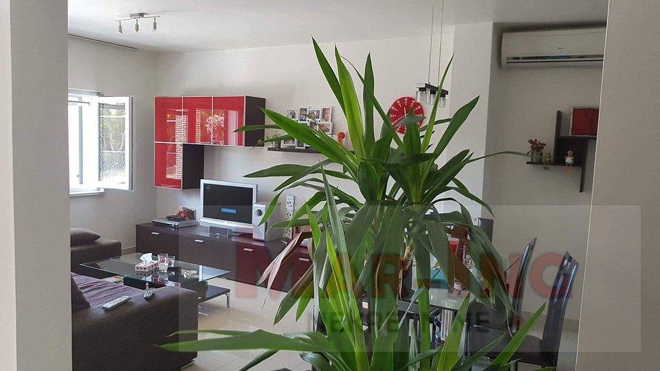 House, 203 m2, For Sale, Obrovac - Kruševo