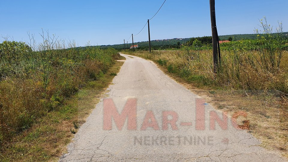 Land, 690 m2, For Sale, Posedarje