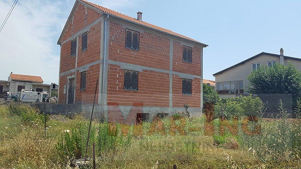 ZADAR SINJORETOVO kuća u izgradnji sa dva stana