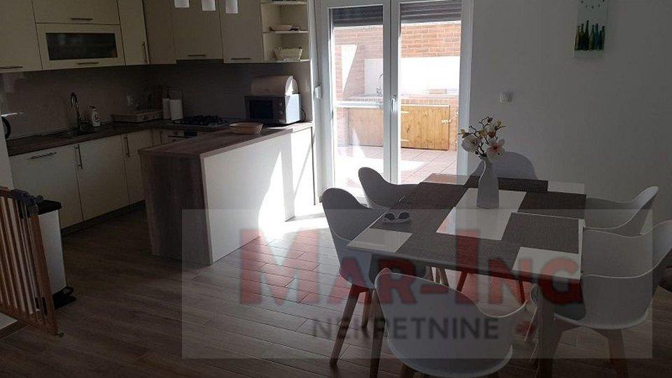 Apartma, 111 m2, Prodaja, Nin
