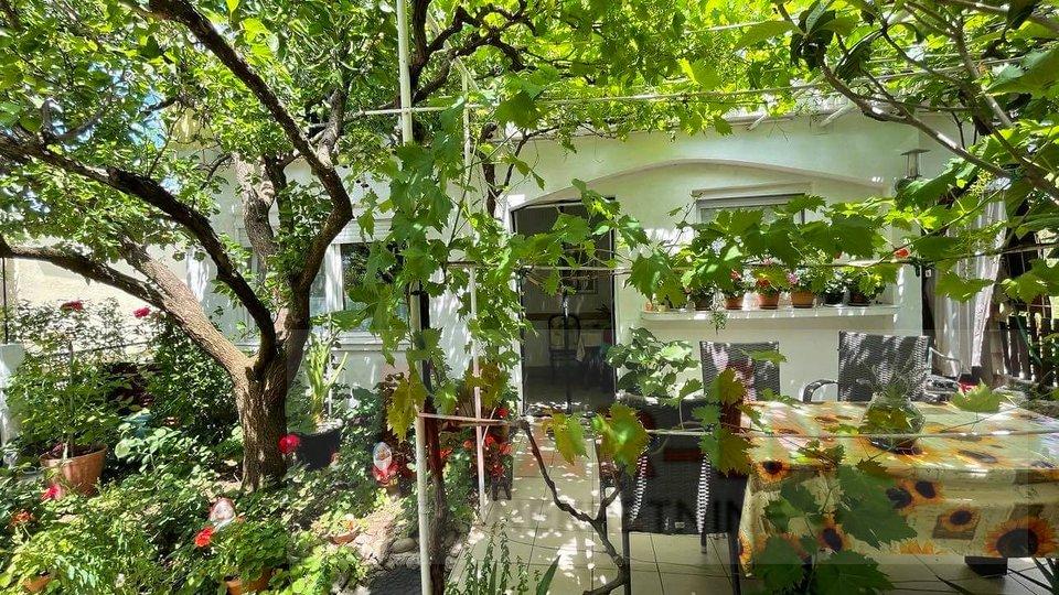 House, 117 m2, For Sale, Starigrad - Seline