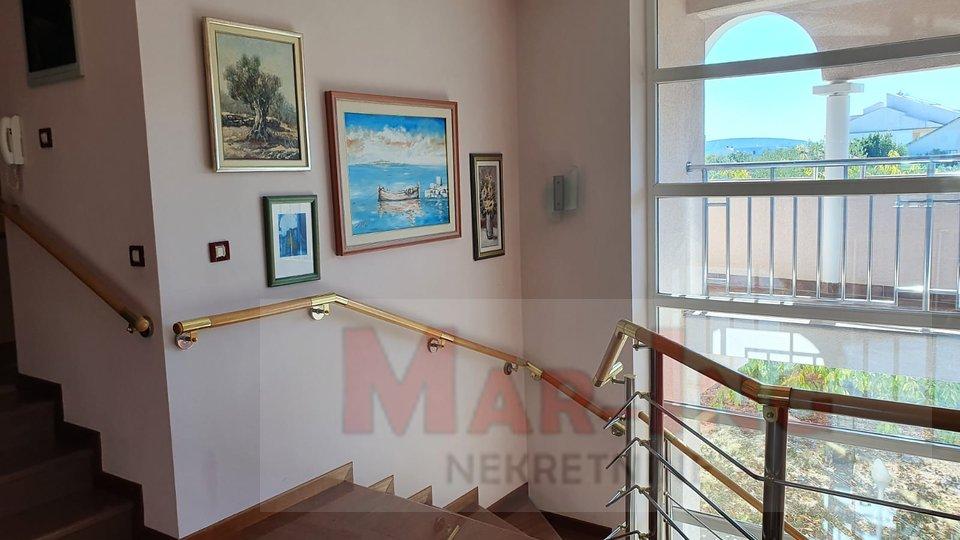 Hiša, 748 m2, Prodaja, Sukošan