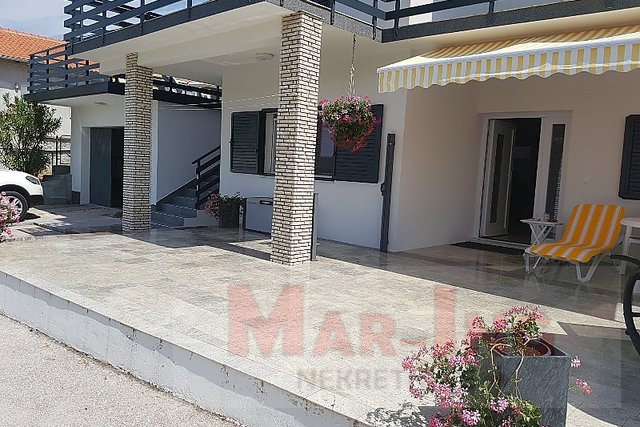 House, 203 m2, For Sale, Obrovac - Kruševo